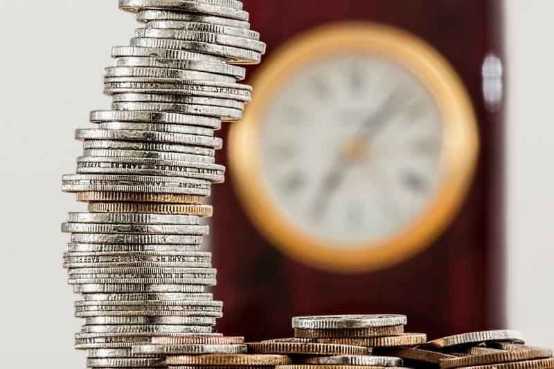 business curency cade investigação spread bancario