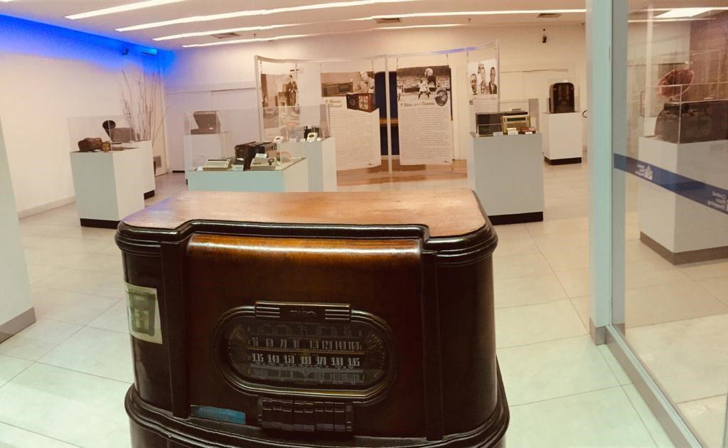 Radio Retrô: exposição no Shopping Center 3 conta a história do rádio